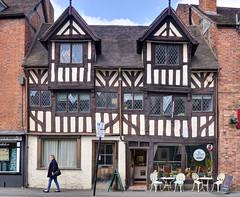 Tudor building - Shrewsbury (Baz Richardson (now away until 27 May)) Tags: shropshire shrewsbury markettowns tudorbuildings gradeiilistedbuildings timberframedbuildings frankwellshrewsbury