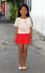 pretty girl with silver shoes (the foreign photographer - ฝรั่งถ่) Tags: pretty girl child red skirt white top amulet silver shoes khlong lat phrao portraits bangkhen bangkok thailand nikon d3200