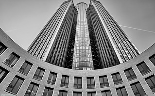 Frankfurt Tower 185 - 4 b&w