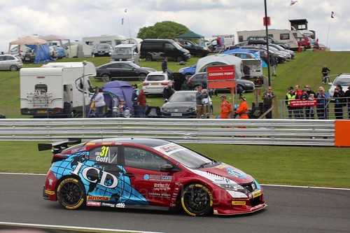 Jack Goff in BTCC action at Oulton Park, May 2017