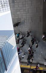 louis vuitton hong kong (Greg Rohan) Tags: pedestrians street people louisvuitton hongkong illusion roof mirror photography 2017 d7200