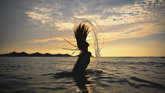 Hair Flip (ミコ ピカゾ) Tags: fujifilm xt2 fujinon xf 16mm 14 r wr hair flip sunset