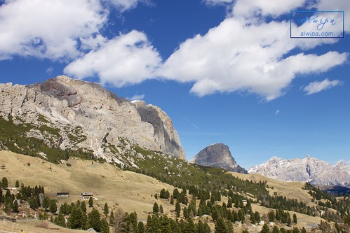 """Passo Gardena • <a style=""""font-size:0.8em;"""" href=""""http://www.flickr.com/photos/104879414@N07/33573156304/"""" target=""""_blank"""">View on Flickr</a>"""