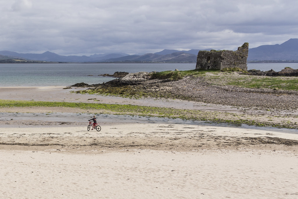 Ballinskelligs Castle & Beach