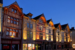 Heure bleue à Troyes; rue Emile Zola