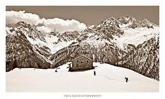 Viandanti (_Nick Photography_) Tags: img1069 valmalenco alps valventina montedisgrazia viandanti hikers neve snowymountains beauty nickphotography sepia trek canoneos6d panorama alpedelloro fatica