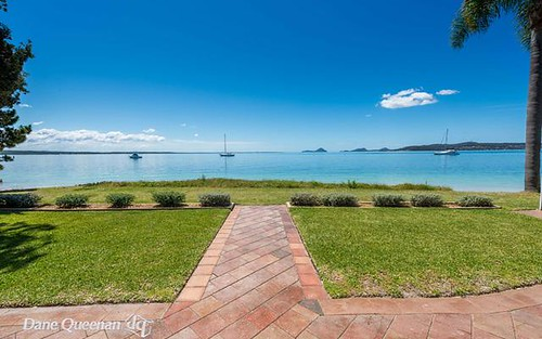 10 Seaview Crescent, Salamander Bay NSW