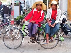 Nyaung Shwe - Rikshaw driver (sharko333) Tags: travel reise voyage asia asien asie shanstate myanmar burma birma lakeinle inlelake nyaungshawe people street transport vehicle bicycle olympus em5