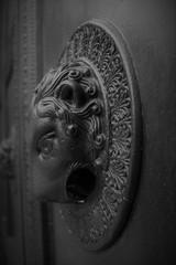 Dombausage - Der Daumen des Teufels (cherac) Tags: aachen teufel dombausage