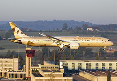Etihad Airways 787-9 A6-BLA (birrlad) Tags: zurich zrh international airport switzerland aircraft aviation airplane airplanes airline airliner airlines airways approach arrival arriving finals landing runway morning sunlight sunrise boeing b787 b789 787 7879 dreamliner a6bla etihad ey73 abudhabi