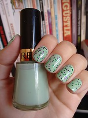 Minted - Revlon + Halloween - Top Beauty (Mari Hotz) Tags: verde esmalte unha revlon topbeauty