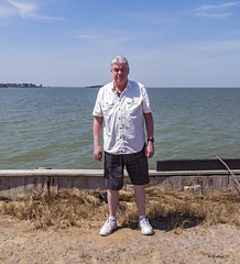 Brian_Family Pics Hoopers Island 26_041617_2D (starg82343) Tags: 2d brianwallace hoopersisland pose portrait family easter2017 group water chesapeake easternshore
