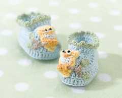 Lillian Rose Blue Owl Baby Booties 0-6 Months (www.giftsdirecttoyourdoor.co.uk) Tags: babybooties baby lillianrose 06months knittedbooties babygift owl