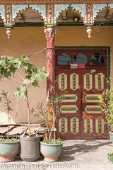 20150521-Dubai-Beijing-Xinjiang-1691-IMG_3827 (Fotoseite Uiguren) Tags: altstadt architektur architekturdetails asien ballustrade china kontinent kuqa stadt tortür xinjiang