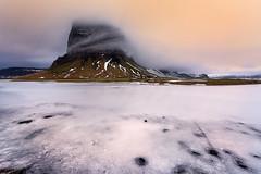 Lómagnúpur (Toni_pb) Tags: islandia iceland ice sky snow landscape lómagnúpurmountain lomagnupur warm wild nature nikon clouds colors cloudy fog frozen sunset nubes naturaleza nikkor142428 d810 dawn winter panoramic pano panorama green