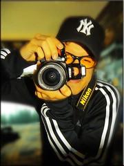 Emmannuel Claure Uriona ((BENNEDIK photography)) Tags: nikon self portrait true passion 2010 amazing feeling newyork adidas black whitte office elements live me photographer photography rock hiphop nikkor