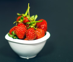 Çilek (enginsuzen) Tags: strawberry strawberries canonfl oldlenses food summer fruit fruits