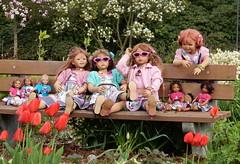Kindergartenkinder ... (Kindergartenkinder) Tags: kindergartenkinder park annette himstedt dolls grugapark essen gruga frühling ostern blüte gruppenfoto personen annemoni milina tulpen narzissen osterglocken bellis sanrike