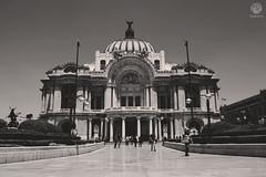 Perfecta o no (Rulo de la Mora) Tags: cdmx palacio de bellas artes rulodelamora outer architecture palace fine arts méxico city