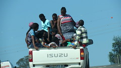 PORT ST JOHNS, SOUTH AFRICA (pwitterholt) Tags: portstjohns southafrica zuidafrika afrika africa car auto crowdy vol full passagiers passengers people load lading canon canonsx40 canonpowershotsx40hs canonpowershot transkei indianocean indischeoceaan