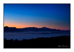 Les Alpes à l'aurore (Rémi Marchand) Tags: lever de soleil sunrise alpes aube aurore montagne silhouette canon 5d mark iii