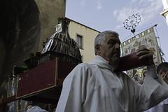 DSC_1091 (RodionRomanovič) Tags: cardinale cardinal napoli fedeli cristiani cattolici chiesa spiritualità italia santachiara madonna bianco