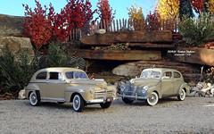 FORD: 1940 Deluxe Tudor Sedan & 1947 Super Deluxe Tudor Sedan (JCarnutz) Tags: 124scale diecast danburymint 1940 1947 ford tudorsedan