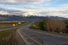 Sunset and freeway (VictoriaDitkovsky) Tags: utah freeway road mountains sunset