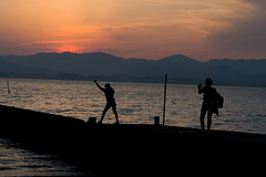 Become model(モデルになって) (daigo harada(原田 大吾)) Tags: silhouette kanzanji lake hamana 浜名湖 舘山寺 シルエット sunset 夕日 people model