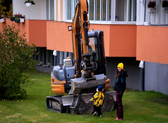Excavator! :) (Linnea from Sweden) Tags: excavator people canon eos 30d efs 55250mm f456 is ii