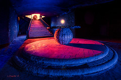 Trascendental. (darklogan1) Tags: round stairs light complementary mistic longexposure crypt magic madrid mejorada sphere