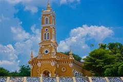 Saint Joseph Catholic Church by the Chao Phraya river in Ayutthaya, Thailand (UweBKK (α 77 on )) Tags: saint joseph catholic church ayutthaya chao phraya river thailand southeast asia sony alpha 77 slt dslr building architecture cross religion religious sky blue clouds