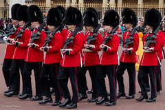Changing of the Guard - The Old Guard (John Piekos) Tags: uniform marhing guns sony london uk changingoftheguard buckinghampalace march city cityscape soldier travel rx100 red