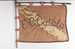 Vlag van voetbalclub Catala (Erfgoedcel Pajottenland Zennevallei) Tags: industrie fabrieksburen drogenbos