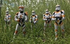 Commander Cody on patrol (chevy2who) Tags: toyphotography toy inch six starwarsblackseries blackseries series black obiwan cody commander clone starwars wars star