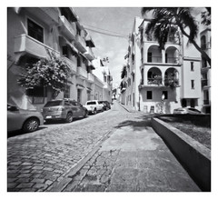 Fotografia Estenopeica (Pinhole Photography) (Black and White Fine Art) Tags: pinhole1214x214 pinhole03mm niksilverefexpro2 lightroom3 fotografiaestenopeica estenopo sanjuan oldsanjuan viejosanjuan puertorico bn bw