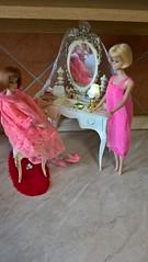 Susy Goose Furniture - Vanity (1963) (Barbies-60/70/80s) Tags: americangirlbarbie vintagebarbie barbie oldtoys barbiefurniture vanitysusygoose canopybedsusygoose