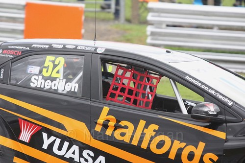 Gordon Shedden in BTCC action at Oulton Park, May 2017
