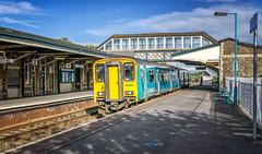 170425063Railways-Edit (yarismanlps) Tags: 150253 class150 dmu llanellistation platform railway signal