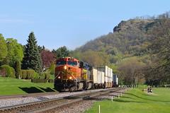 La Crosse, Wisconsin (UW1983) Tags: trains railroads bnsf aurorasubdivision intermodaltrains lacrosse wisconsin