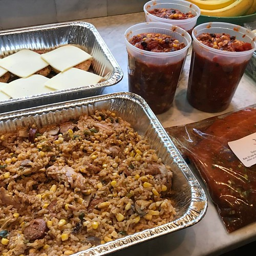 Stocking up my client with Summer Jambalaya with fresh corn and mushrooms; Garden-Style Chili; Chicken Parm Burgers; and fresh salmon fillets marinating in a ginger-teriyaki sauce. #personalchef #healthymeals
