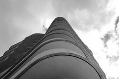 Marco Polo Tower (Testlicht) Tags: hamburg fujix100f bw