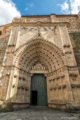 DSC6747 Portada Norte del Monasterio de Santa María la Real de Nieva, finales del siglo XIV y principios del siglo XV, (Segovia) (Ramón Muñoz - ARTE) Tags: monasterio de santa maría la real nieva