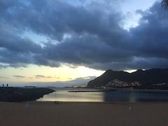 (Lorybusin) Tags: spiaggia spagna viaggio agua water viajes santacruz playa spain sunset puestadelsol océano españa light beach ocean canaryislands tenerife travel