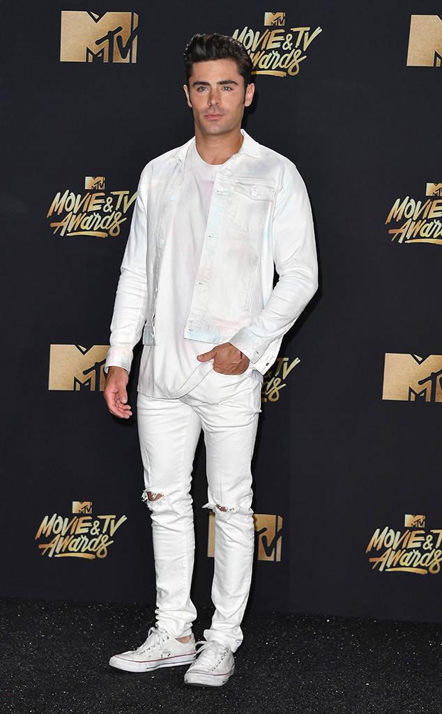 Thảm đỏ MTV Movie & TV Awards: Cara khoe đầu trọc, các sao tạo dáng khó khăn vì mưa đá - Ảnh 11.
