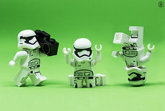 Trooper Crew (jezbags) Tags: lego legos toys toy minifigure minifigures macro macrophotography macrodreams macrolego canon60d canon 60d 100mm closeup upclose stormtrooper stormtroopers troopers trooper forceawakens music dropthemic mic headspinning ghetto blaster breaking dancing