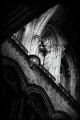 La Cathédrale Notre-Dame de Rouen (Air'L) Tags: noiretblanc eu europe gothique cathédrale église church intérieur statue voûtes colonnes médiéval artreligieux rouen normandie france bw sculpture