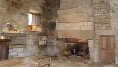 Cuisine du château de Kerjean (emma bzh) Tags: cuisine château architecture pierre pierres stone stones castle cheminée fireplace