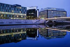 Blue Hour Berlin (shlomo2000) Tags: lights spree river berlin night bluehour reflection mirrored buildings governmentdistrict deutschland blau symmetry fujifilm x100f bmw regierungsviertel nacht outside