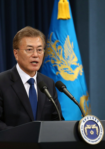 President_Moon_Jae-in_Press_Co nference_01